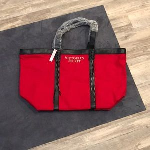 VICTORIAS SECRET NWT Lmtd Edition Shopper Red
